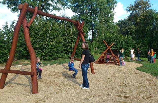 Otevření dětského hřiště, září 2013